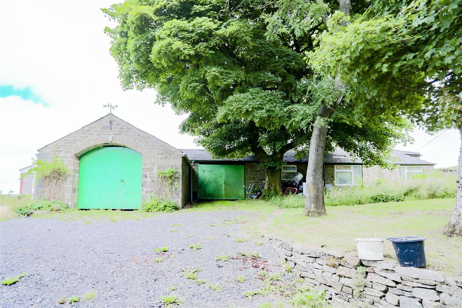 2 Bedroom Barn Conversion For Sale - 6.jpg